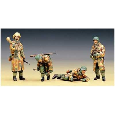 Figurines 2ème Guerre Mondiale : Infanterie SS: Russie 1944 - Academy-1378