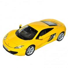 Modèle réduit de voiture de sport : Mc Laren MP4 12C jaune : Echelle 1/24