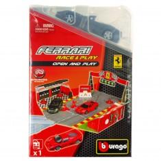Piste Ferrari Race & Play avec modèle réduit 1/43 : Ferrari California grise