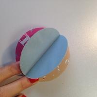 Des boules de Noël en papier à customiser - Image n°7