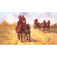 Maquettes chars de guerre égyptiens et figurine Moïse: Vers 1250 av. JC