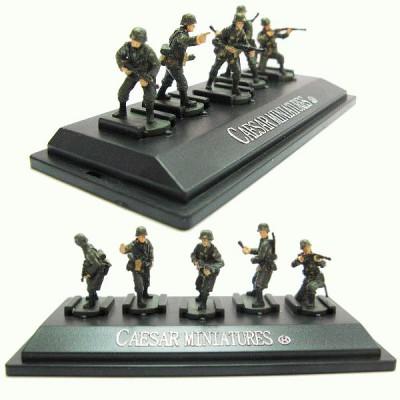 Figurines 2ème Guerre Mondiale : Panzergrenadiers allemands: Set 3 : 5 figurines sur socle - Caesarminiatures-CMP803