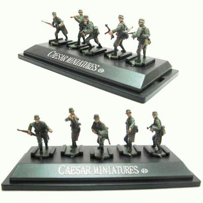Figurines 2ème Guerre Mondiale : Soldats allemands: 5 figurines sur socle - Caesarminiatures-CMP806