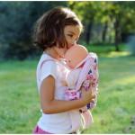 Porte-bébé Corolle fleuri pour poupées de 36 à 42 cm