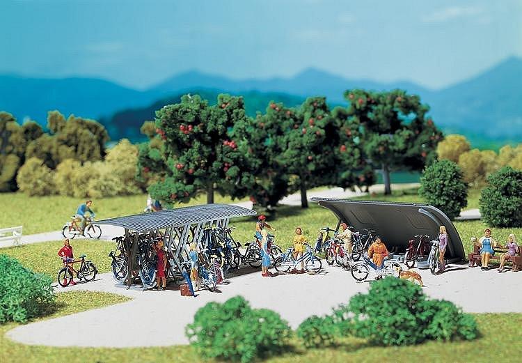 Modélisme HO : Accessoires de décor : 2 râteliers à vélos avec bicyclettes - Faller-180584