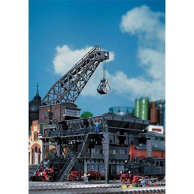 Modélisme ferroviaire HO : Grand chargeur de charbon - Faller-120148
