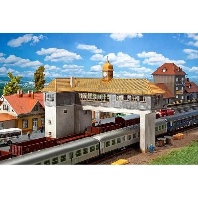 Modélisme ferroviaire HO : Poste d'aiguillage cavalier Neustadt - Faller-120111