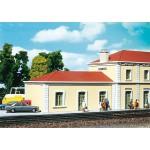 Modélisme ferroviaire HO : Aile de gare de Saint Julien