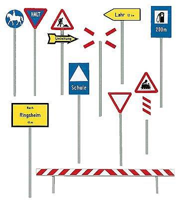 Modélisme HO : Accessoires de décor 1946-1977 : Panneaux de signalisation routière - Faller-180539