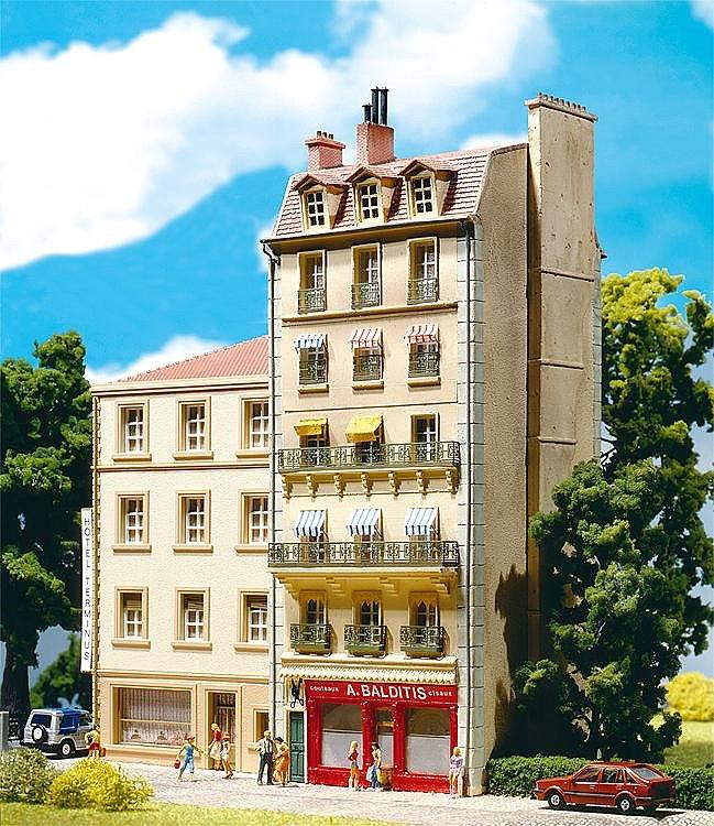 Modélisme HO : Immeuble de ville style français - Faller-191121