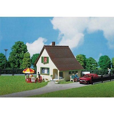 Modélisme HO : Maison avec petit porche d'entrée - Faller-130204