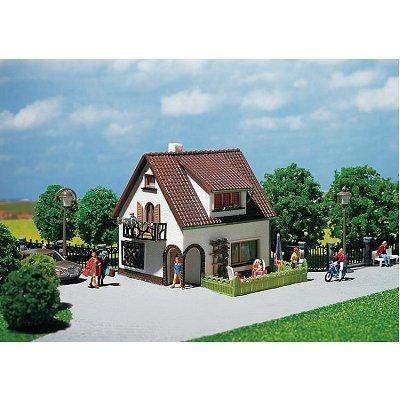 Modélisme HO : Maison avec pièce mansardée - Faller-130200