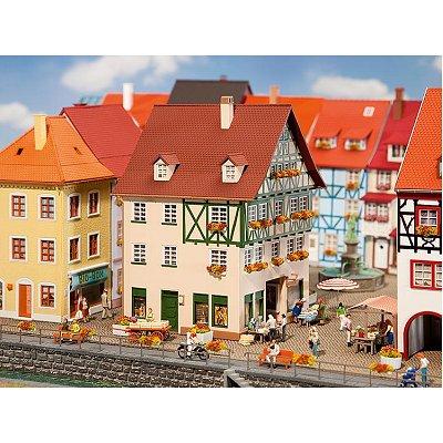 Modélisme HO : Maison de ville avec passage - Faller-130492