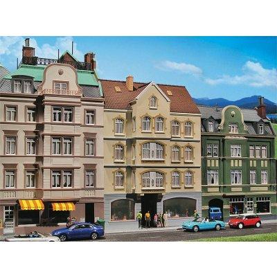Modélisme HO : Maison urbaine avec bistrot - Faller-130447