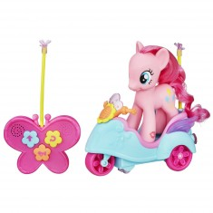 Figurine et véhicule radiocommandé Mon petit poney : Scooter de Pinkie Pie