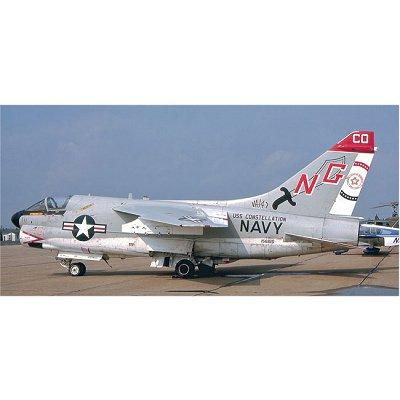Maquette avion: A-7E Corsair II VA-147 - Hasegawa-09854