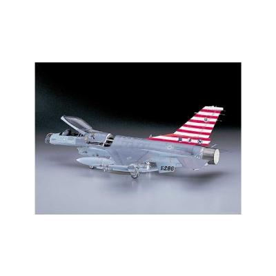 Maquette avion: F-16A Plus Tomcat - Hasegawa-08027