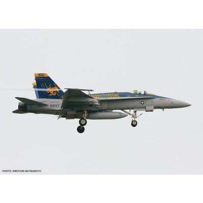 Maquette avion : F/A-18C Golden Dragons CAG 2009 Limited Edition - Hasegawa-01903
