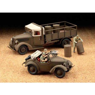Maquettes véhicules militaires: Kurogane 4WD & Isuzu TX40 - Hasegawa-36501