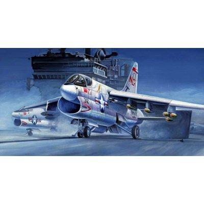 Maquette avion: A-7A Corsair II - Hobbyboss-87201