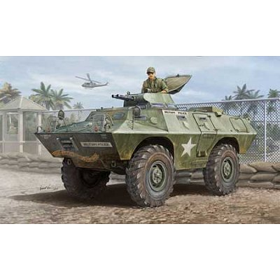 Maquette M706 Commando Armored Car in Vietnam - Hobbyboss-82418