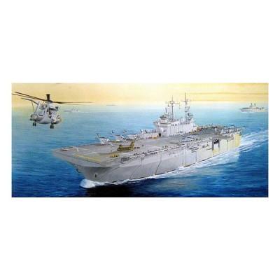 Maquette bateau: Porte-avions USS Wasp LHD-1 - Hobbyboss-83402