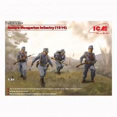 Figurines militaires Infanterie Austro-Hongroise 1ère guerre mondiale et 4 figurines