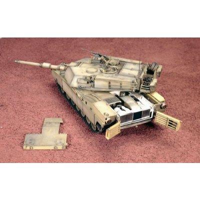 Maquette Char: M1A1 Abrams  - Italeri-6438