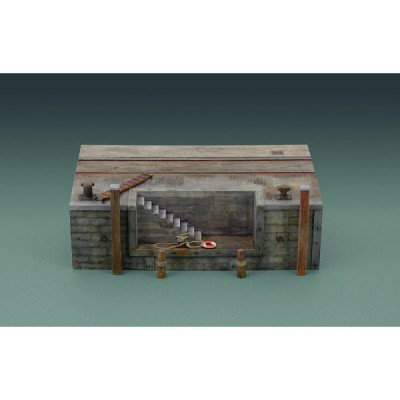 Maquette quai de port avec escalier - Italeri-5615