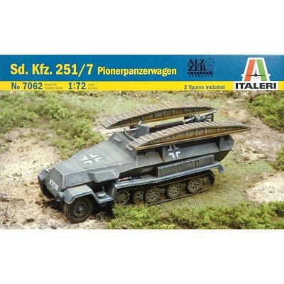 Maquette Half-track Sd. Kfz. 251/7 Pionerpanzerwagen  - Italeri-7062