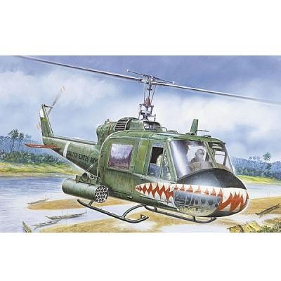 Maquette hélicoptère: UH-1C Gunship - Italeri-050