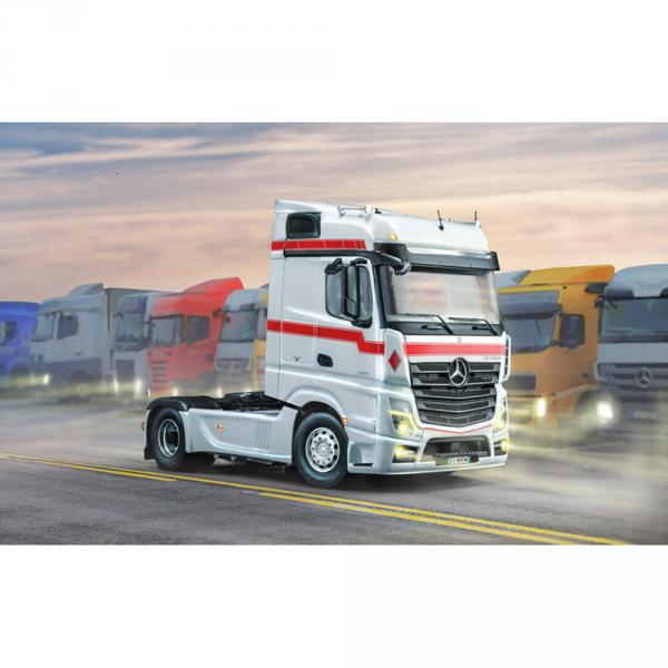 Maquette camion : Mercedes Benz Mp4 Big Space - Italeri-I3948