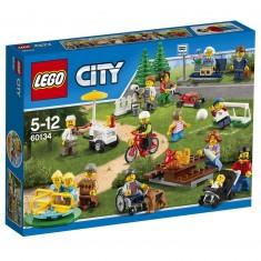 Lego 30134 City : La parc de loisirs avec Ensemble de figurines City