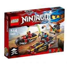 Lego 70600 Ninjago : La poursuite en moto des Ninja