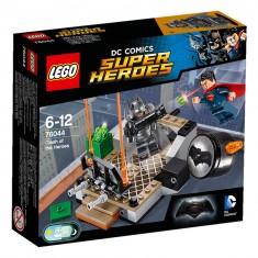 Lego 76044 Super Heroes : Batman v Superman : Le combat des héros