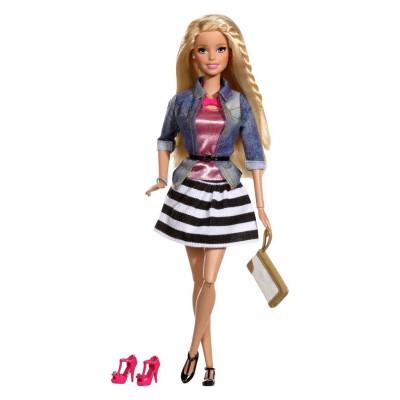 Mattel Poupée Barbie : Amies Mode Luxe : Jupe et veste en jean