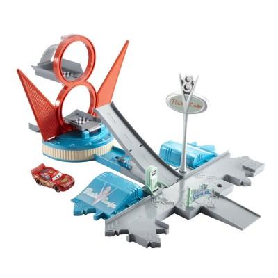 Mattel Voitures Cars : Coffret Radiator Springs : Course et saut Flo's V8 Café