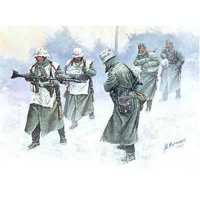 Master Box figurines 2ème guerre mondiale : armée allemande hiver 1941-1942 sur le front de l'est : vent froid