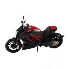 Modèle réduit Moto 1/12 : Ducati Diavel Carbon