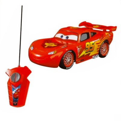 voiture radiocommand e cars flash mcqueen 1 32 jeux et jouets majorette avenue des jeux. Black Bedroom Furniture Sets. Home Design Ideas