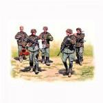 Figurines militaires : WAFFEN SS en maraude Front de l'Est 1943