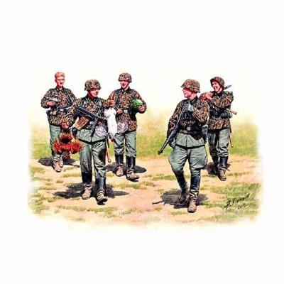 Figurines militaires : WAFFEN SS en maraude Front de l'Est 1943 - Masterbox-MB3583