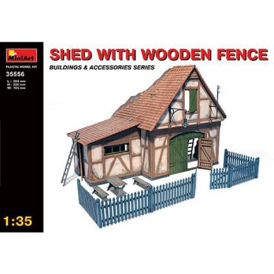 Maquette Grange avec clôture en bois - MiniArt-35556