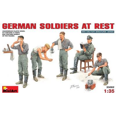 Figurines 2ème Guerre Mondiale : Soldats allemands au repos 1941-1944 - MiniArt-35062