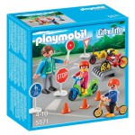 Playmobil 5571 : Enfants avec agent de sécurité routière