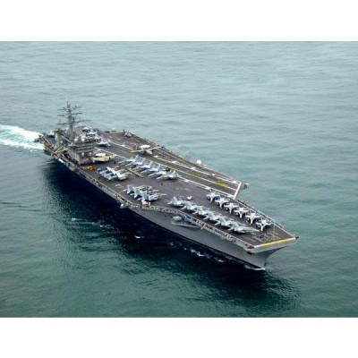 Maquette bateau: Porte-avions U.S.S. Nimitz - Revell-05814