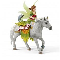 Figurine Marween en habits de cérémonie à cheval