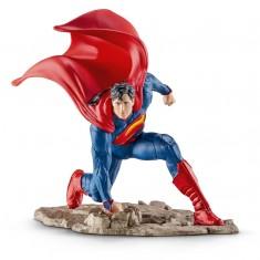 Figurine super-héros : Superman à genoux