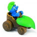 Figurine Schtroumpf en voiture