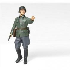 Figurine 2ème Guerre Mondiale : Commandant allemand 1/16